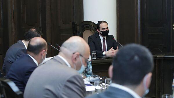 Тигран Авинян провел заседание рабочей группы по координации строительства 33-го микрорайона (Фирдус) (7 апреля 2021). Еревaн - Sputnik Армения