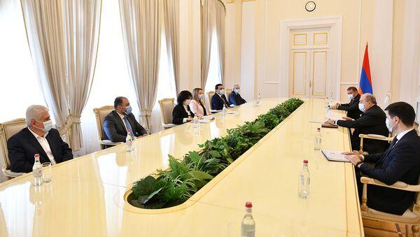 Президент Армен Саркисян встретился с ректорами государственных вузов (8 апреля 2021). Еревaн - Sputnik Արմենիա