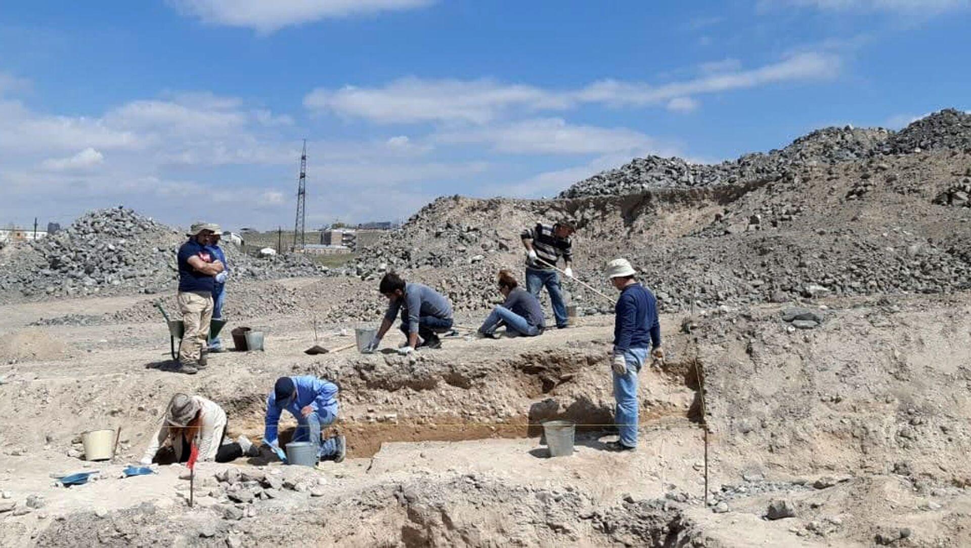 Археологические раскопки на территории Кармир блур - Sputnik Արմենիա, 1920, 08.04.2021