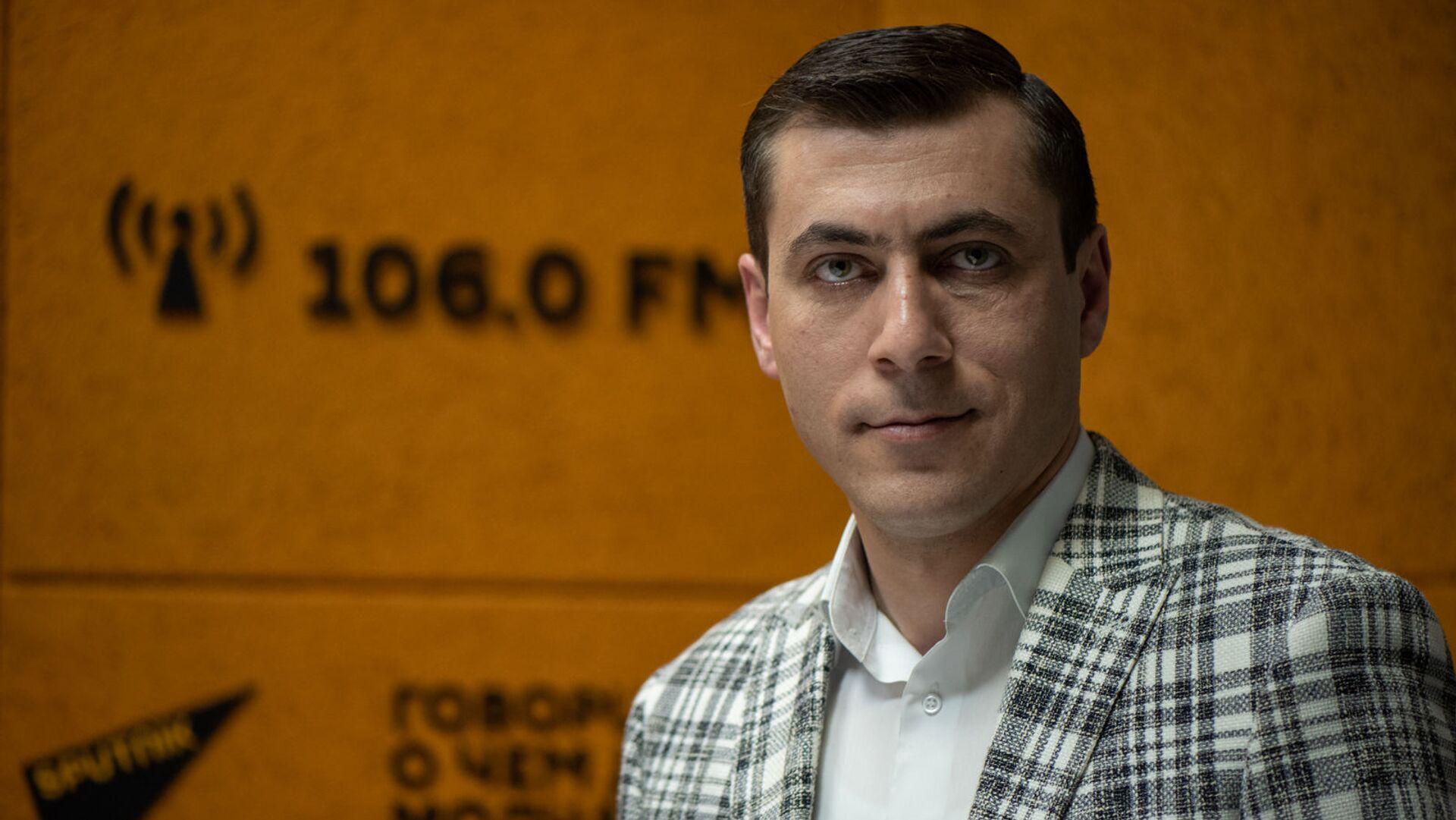 Главный синоптик Гагик Суренян в гостях радио Sputnik Армения - Sputnik Армения, 1920, 10.04.2021