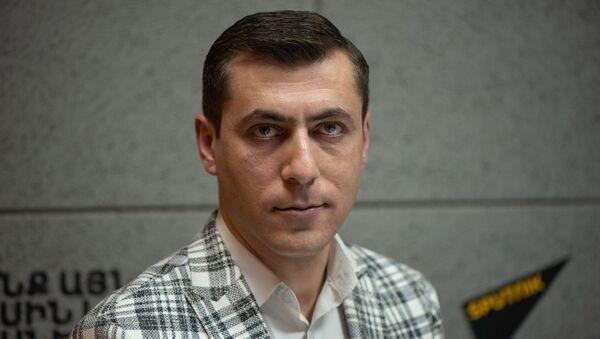 Главный синоптик Гагик Суренян в гостях радио Sputnik Армения - Sputnik Արմենիա