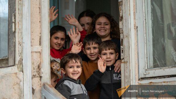 Султаняны прощаются с съемочной группой Sputnik Армения - Sputnik Արմենիա