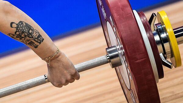 Чемпионат Европы по тяжелой атлетике среди женщин (9 апреля 2021). Москвa - Sputnik Армения