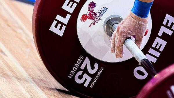 Чемпионат Европы по тяжелой атлетике среди женщин (5 апреля 2021). Москвa - Sputnik Армения