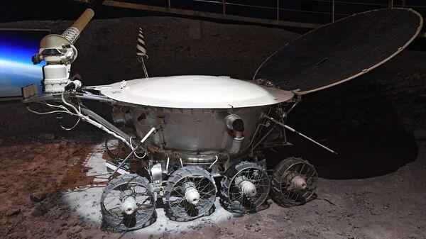 Макет «Лунохода-1» - первого лунохода, доставленного на Луну - Sputnik Армения