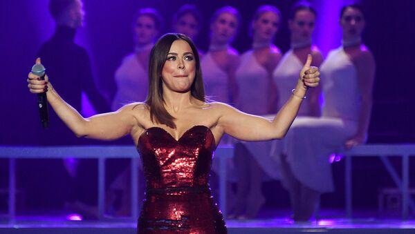 Певица Ани Лорак выступает на концерте «Рождество с Григорием Лепсом» (25 декабря 2018). Москвa - Sputnik Армения