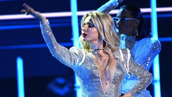 Певица Loboda (Светлана Лобода) во время церемонии вручения музыкальной премии BraVo (21 марта 2019). Москвa - Sputnik Армения