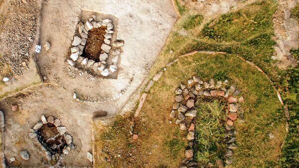 Археологи ведут раскопки на территории древней крепости-поселении Мецамор - Sputnik Армения