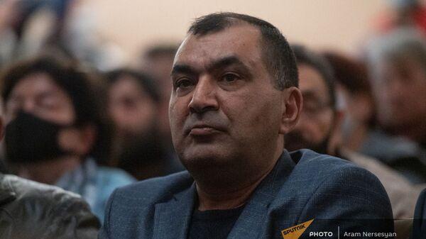 Тиран Хачатрян на вечере памяти добровольцев АРФД, погибших в карабахской войне (14 апреля 2021). Еревaн - Sputnik Արմենիա
