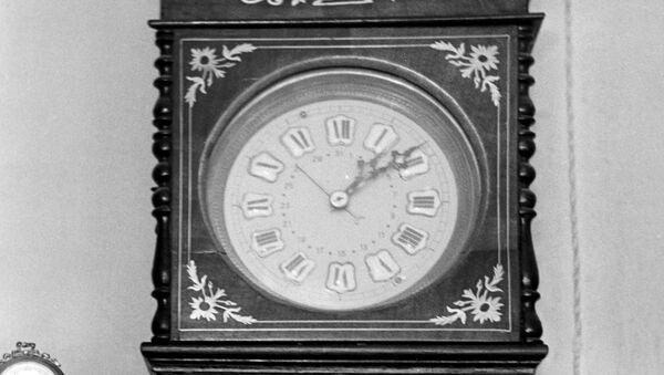 старинные часы - Sputnik Армения