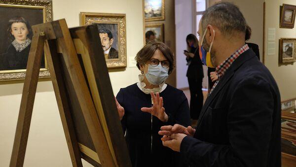 Супруга президента Нунэ Саркисян посетила музей искусств Art Palace (16 апреля 2021). Тбилиси - Sputnik Արմենիա