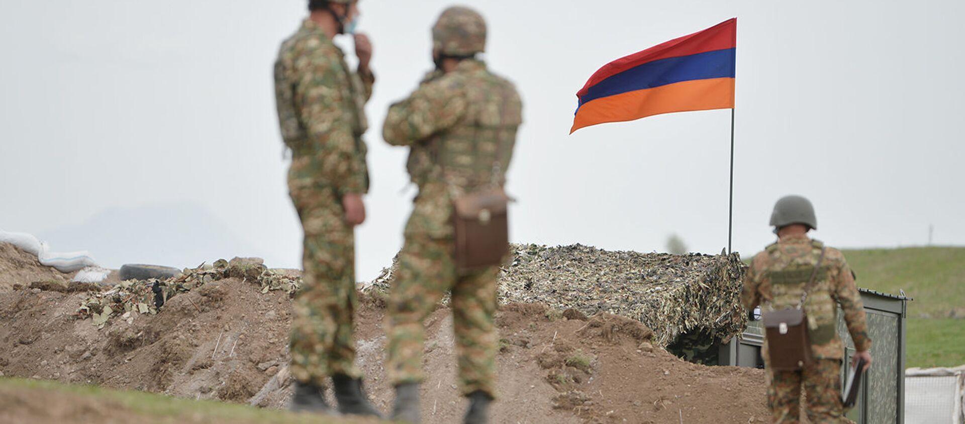 Армянские военнослужащие на армянсо-азербайджанской границе - Sputnik Արմենիա, 1920, 15.06.2021