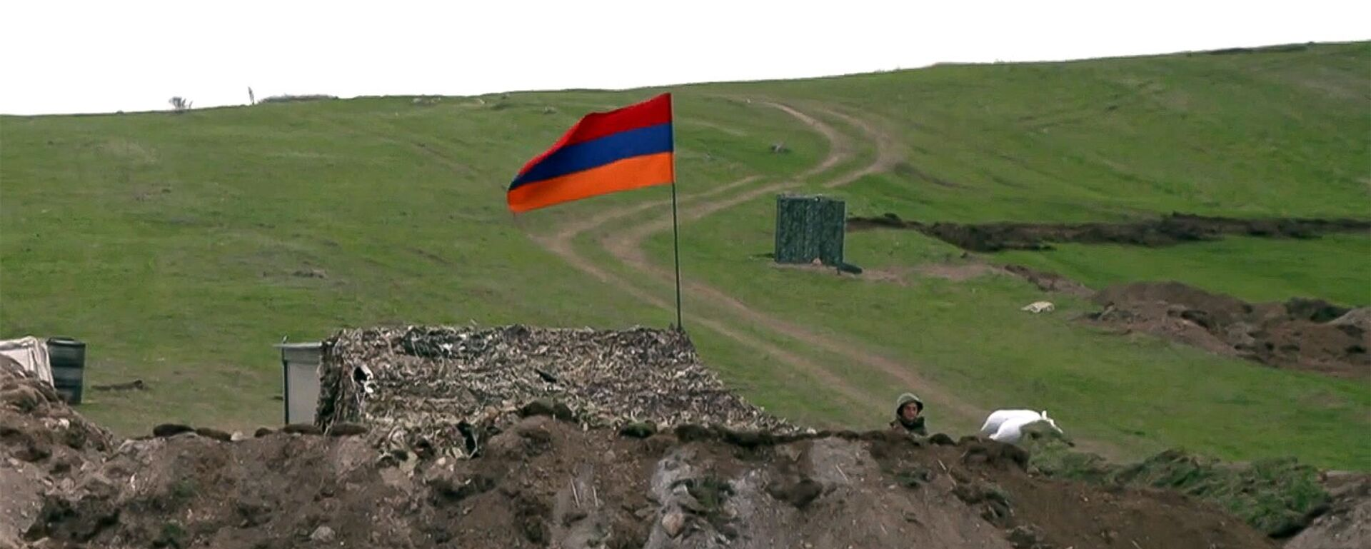Армянский военнослужащий на армяно-азербайджанской границе - Sputnik Արմենիա, 1920, 20.07.2021
