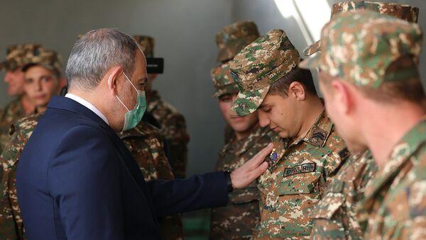 Премьер-министр Никол Пашинян посетил N военную часть Минобороны (21 апреля 2021). Сюник - Sputnik Արմենիա