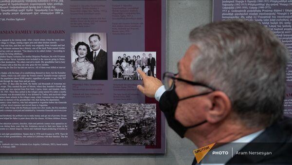 Потомок пережившего геноцид, Армен Арсланян, в музее Геноцида армян - Sputnik Արմենիա