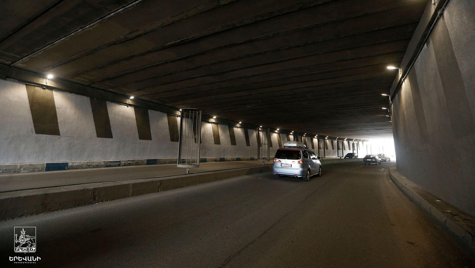 Автомобильный тоннель на перекрестке проспекта Тиграна Меца и улицы Ханджяна - Sputnik Արմենիա, 1920, 07.05.2021