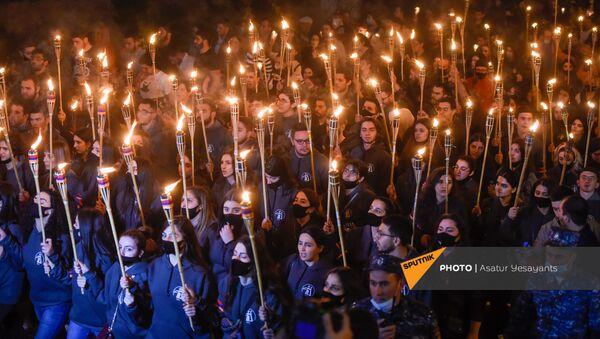 Факельное шествие в память жертвам Геноцида армян (23 апреля 2021). Ереван - Sputnik Армения