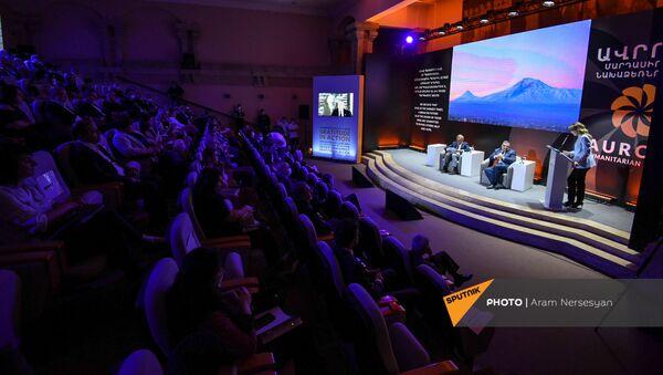 Церемония объявления номинантов премии Аврора 2021 года (24 апреля 2021). Еревaн - Sputnik Արմենիա