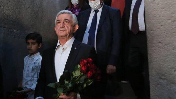 Серж Саргсян посетил Мемориальный комплекс Цицернакаберд (24 апреля 2021). Еревaн - Sputnik Армения