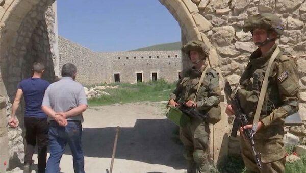Российские миротворцы обеспечили безопасное посещение монастыря Амарас группе паломников из Степанакерта и близлежащих населенных пунктов (27 апреля 2021). Карабах - Sputnik Արմենիա