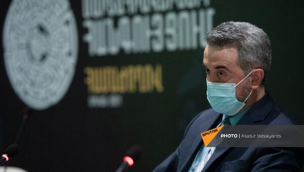 Замминистра МОНКС Ара Хзмалян на пресс-конференции на тему Наследие Арцаха под угрозой: на перекрестке вызовов (27 апреля 2021). Еревaн - Sputnik Արմենիա