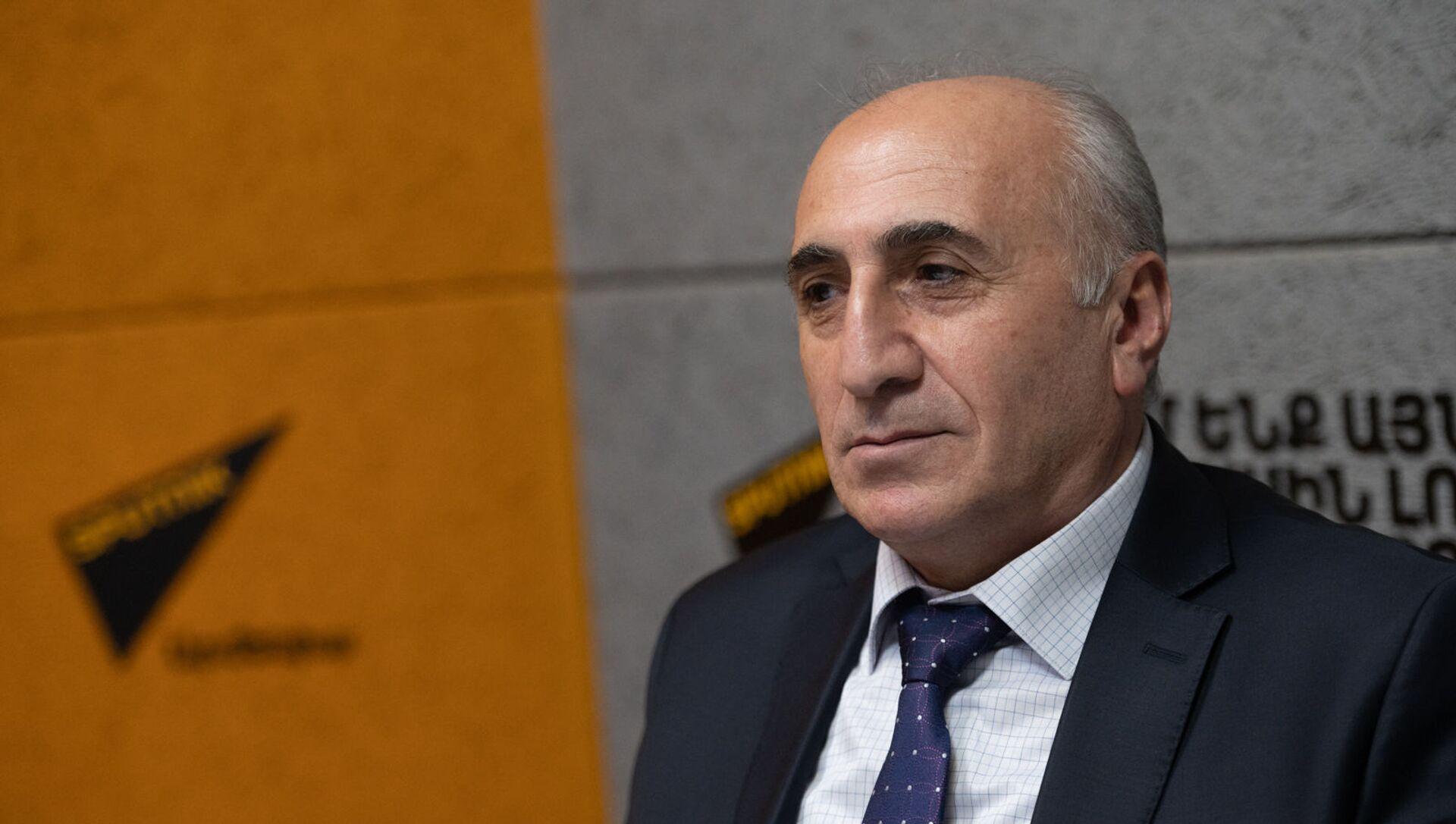 Экономист Атом Маргарян в гостях радио Sputnik Армения - Sputnik Արմենիա, 1920, 01.07.2021