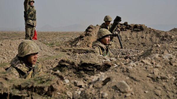 Военнослужащие Киргизии во время учений. Архивное фото - Sputnik Армения