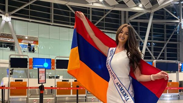 Представительница Армении Моника Григорян до вылета на конкурс красоты Мисс Вселенная  - Sputnik Արմենիա