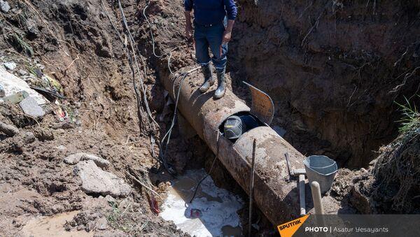 Затопленный участок дороги Ереван - Нубарашен - Sputnik Армения