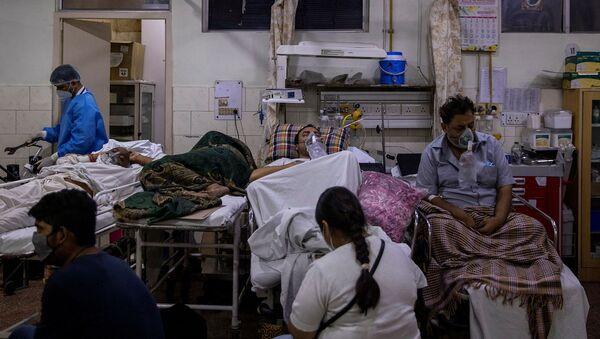 Отделение скорой помощи больницы Holy Family в Нью-Дели (29 апреля 2021). Индия - Sputnik Армения