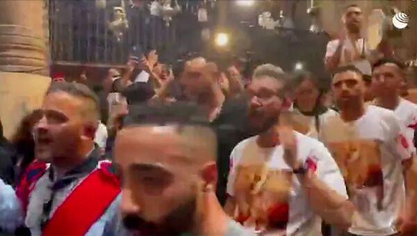 Танцы на церемонии освящения Огня в Храме Гроба Господня - Sputnik Армения