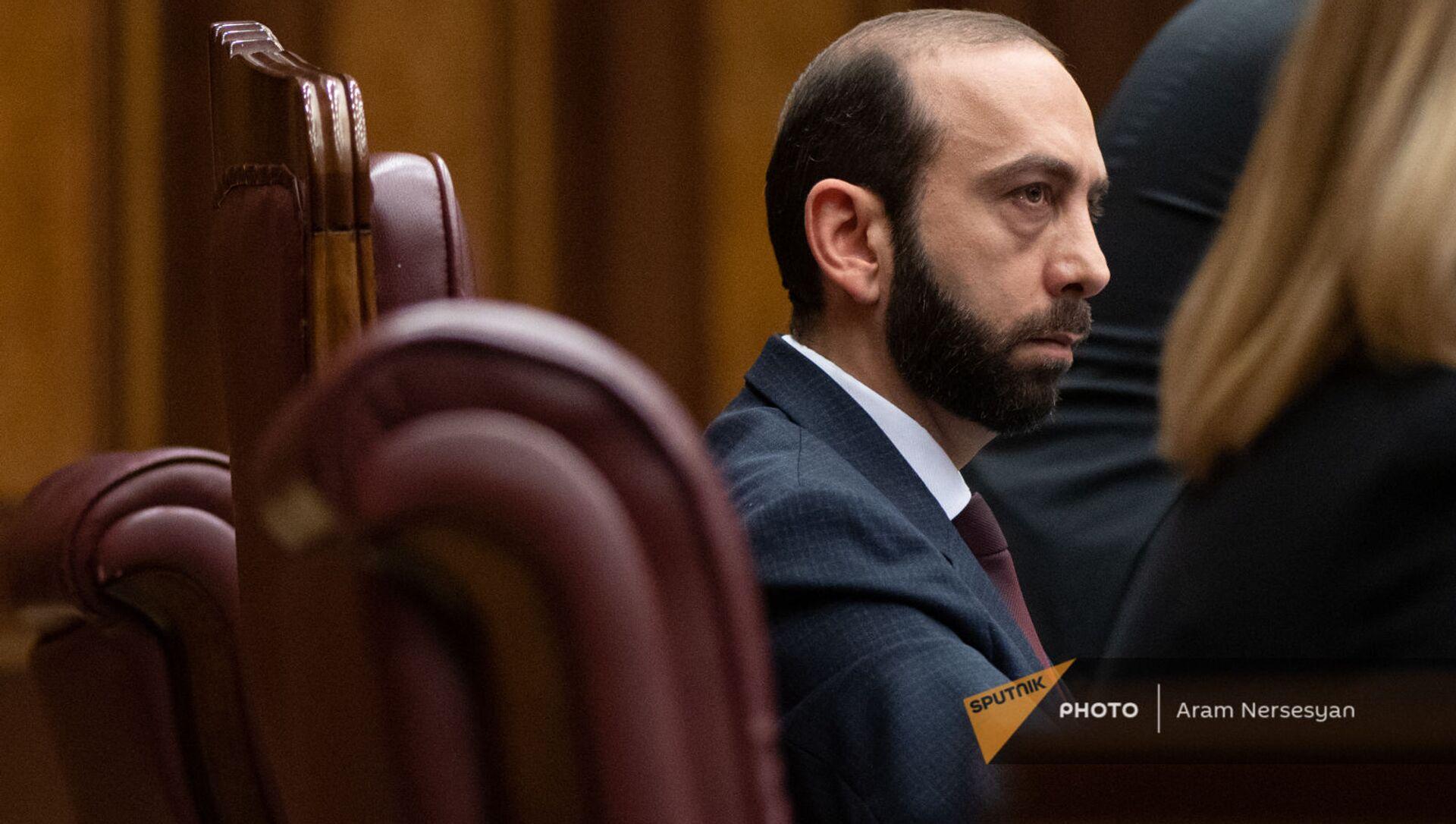 Председатель НС Арарат Мирзоян во время внеочередного заседания Парламента (3 мая 2021). Еревaн - Sputnik Արմենիա, 1920, 19.06.2021