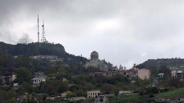 Вид на Шуши и купол церкви Казанчецоц - Sputnik Արմենիա