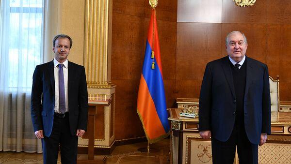 Президент Армен Саркисян встретился с президентом ФИДЕ Аркадием Дворковичем (4 мая 2021). Еревaн - Sputnik Արմենիա