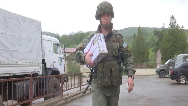 Российские миротворцы передали медицинские наборы в медпункты отдаленных поселков Карабаха - Sputnik Արմենիա