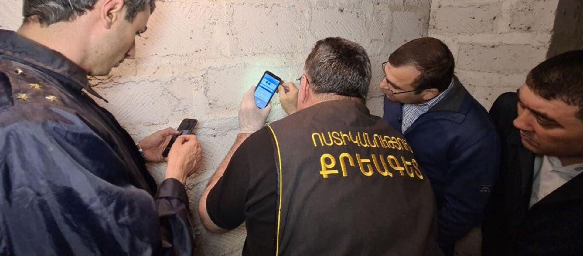 Сотрудники правоохранительных органов работают на месте преступления (4 мая 2021). Эчмиадзин - Sputnik Արմենիա, 1920, 27.07.2021