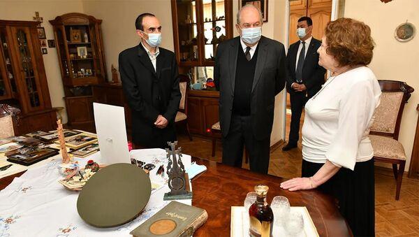 Նախագահ Արմեն Սարգսյանն այցելել է Արկադի Տեր-Թադևոսյանի ընտանիքին - Sputnik Արմենիա