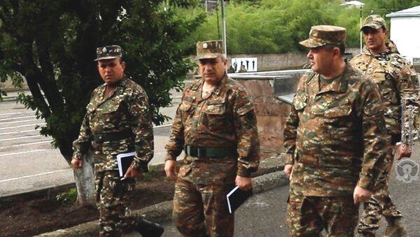 Глава Генштаба ВС РА генерал-лейтенант Артак Давтян с рабочим визитом посетил воинские части (7 мая 2921) - Sputnik Արմենիա