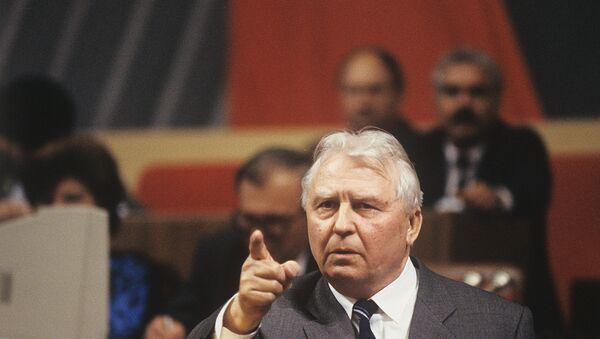Бывший секретарь ЦК КПСС Егор Лигачев - Sputnik Армения