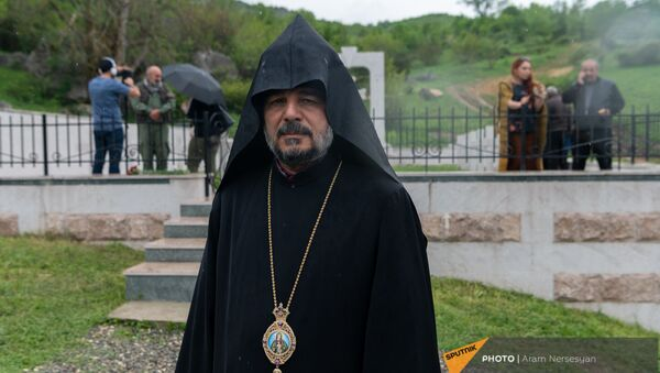 Предводитель Арцахской епархии ААЦ епископ Вртанес Абрамян - Sputnik Արմենիա