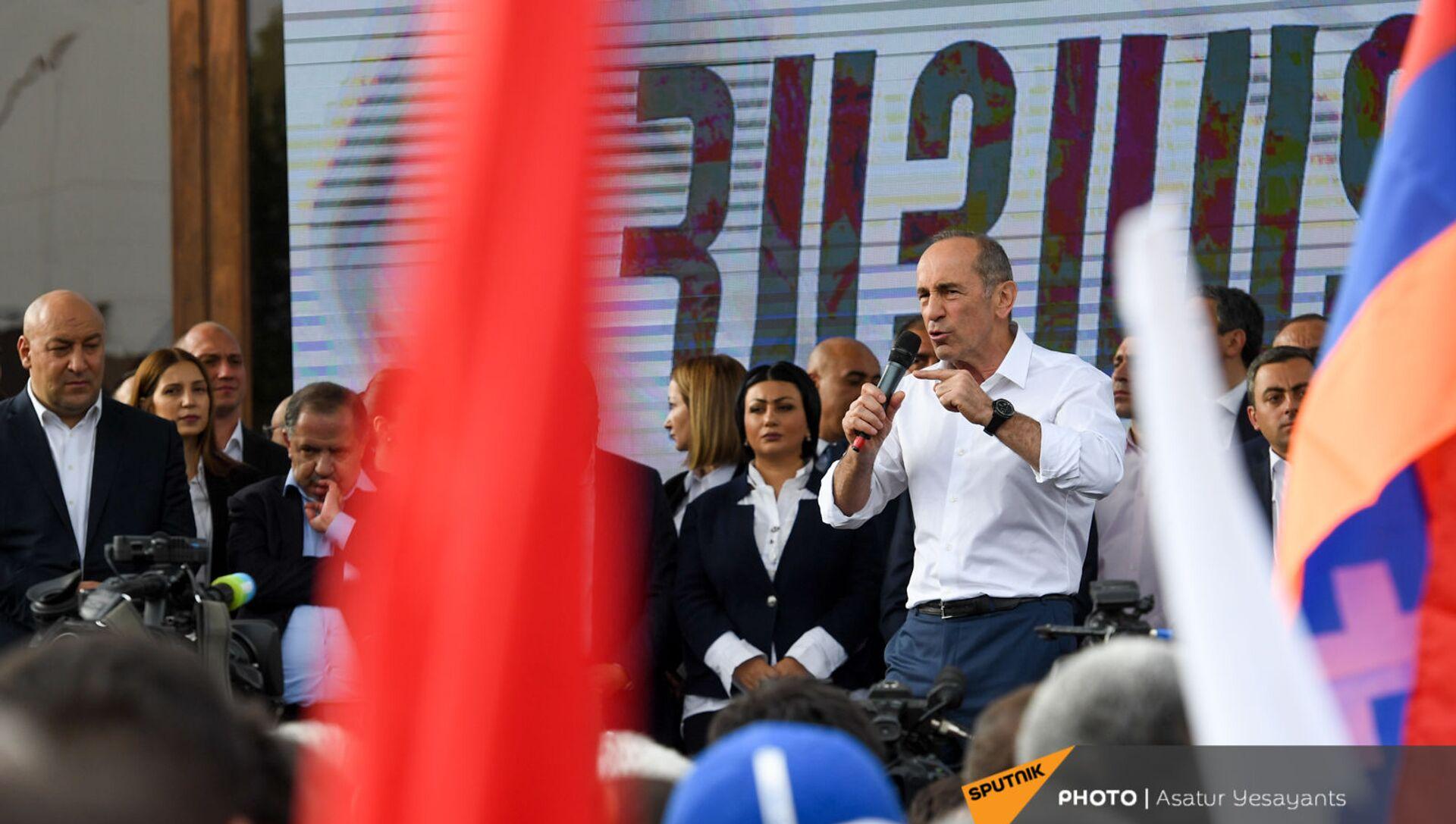 Роберт Кочарян выступает на митинге (9 мая 2021). Еревaн - Sputnik Արմենիա, 1920, 25.05.2021