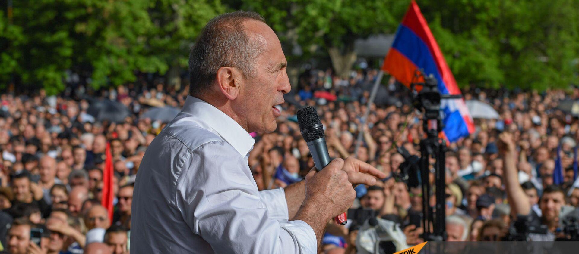 Роберт Кочарян выступает на митинге (9 мая 2021). Еревaн - Sputnik Армения, 1920, 22.05.2021