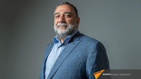 Соучредитель гуманитарной премии Аврора, бизнесмен Рубен Варданян в гостях радио Sputnik Армения - Sputnik Армения
