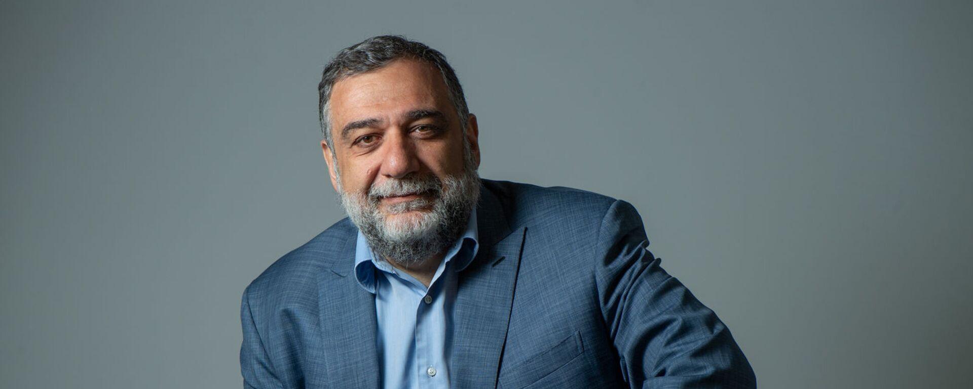 Соучредитель гуманитарной премии Аврора, бизнесмен Рубен Варданян в гостях радио Sputnik Армения - Sputnik Արմենիա, 1920, 10.05.2021