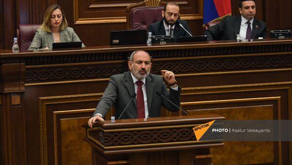 И.о премьер-министра Никол Пашинян на заседании Парламента (10 мая 2021). Еревaн - Sputnik Արմենիա