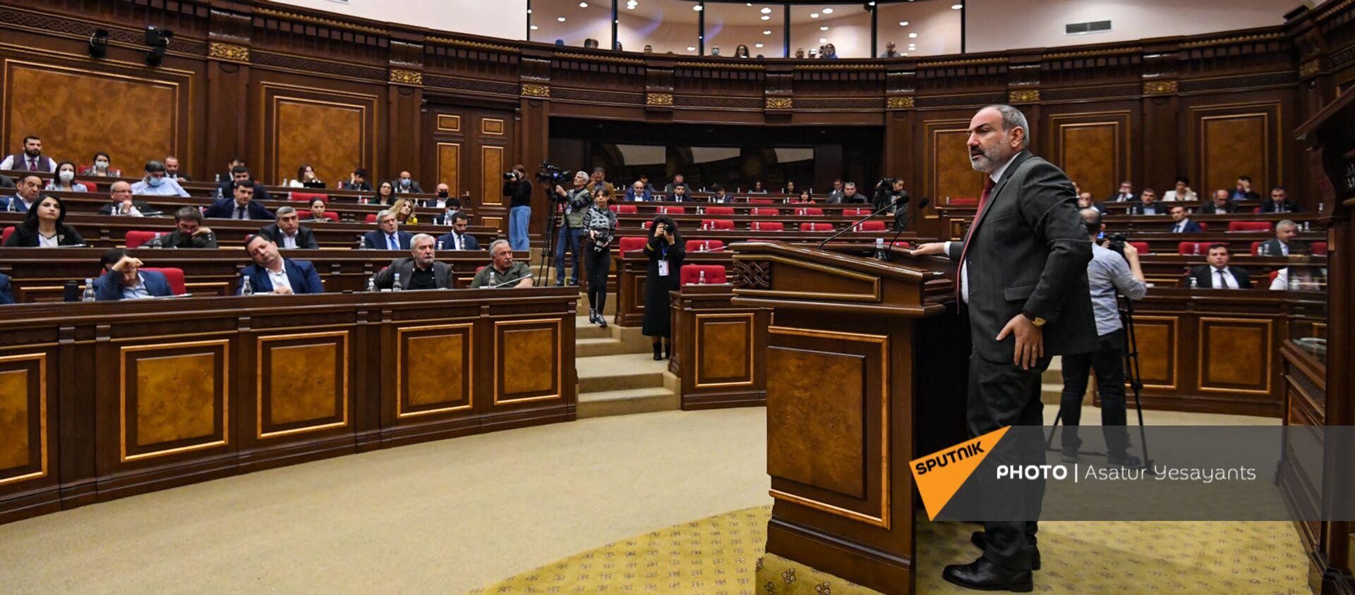 И.о премьер-министра Никол Пашинян на заседании Парламента (10 мая 2021). Еревaн - Sputnik Армения, 1920, 10.05.2021
