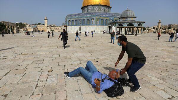 Столкновения палестинцев с израильскими силами безопасности у мечети Аль-Акса в Старом городе Иерусалима - Sputnik Армения