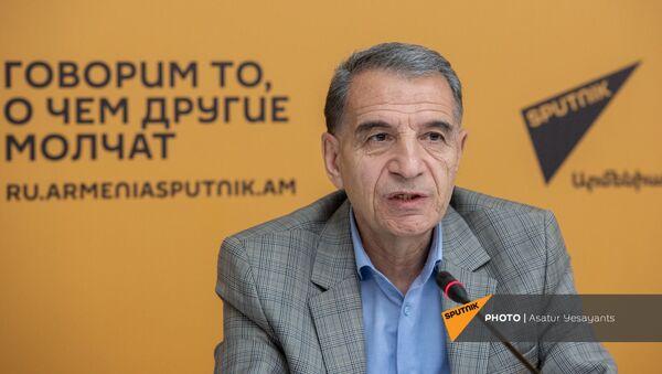 Пресс-конференция Ара Каряна в мультимедийном пресс-центре Sputnik Армения (11 мая 2021). Еревaн - Sputnik Արմենիա