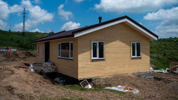Сборный домик в селе Кармир Шука - Sputnik Արմենիա