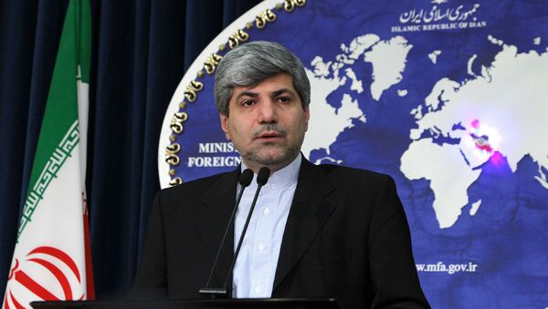Представитель МИД Ирана Рамин Мехманпараст выступает на пресс-конференции (28 декабря 2010). Тегеран - Sputnik Արմենիա